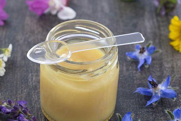 маточное молочко сниает уровень холестерина
