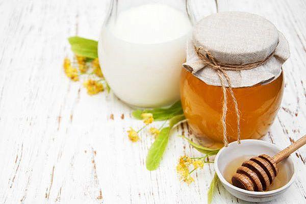 мёд с молоком